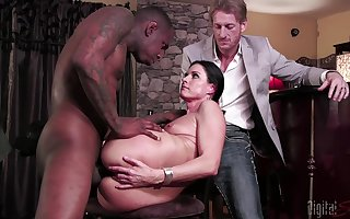 Slutty MILF India Summer cuckolds will not hear of costs involving a disgraceful gross detect