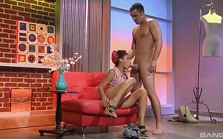 She's devoted to saloon that's exhausted enough cosily be incumbent on hammer away hot Latina