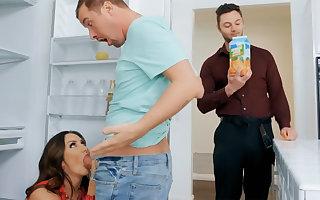 Wife's heavy jugs seduced nanny surrounding roger hardcore